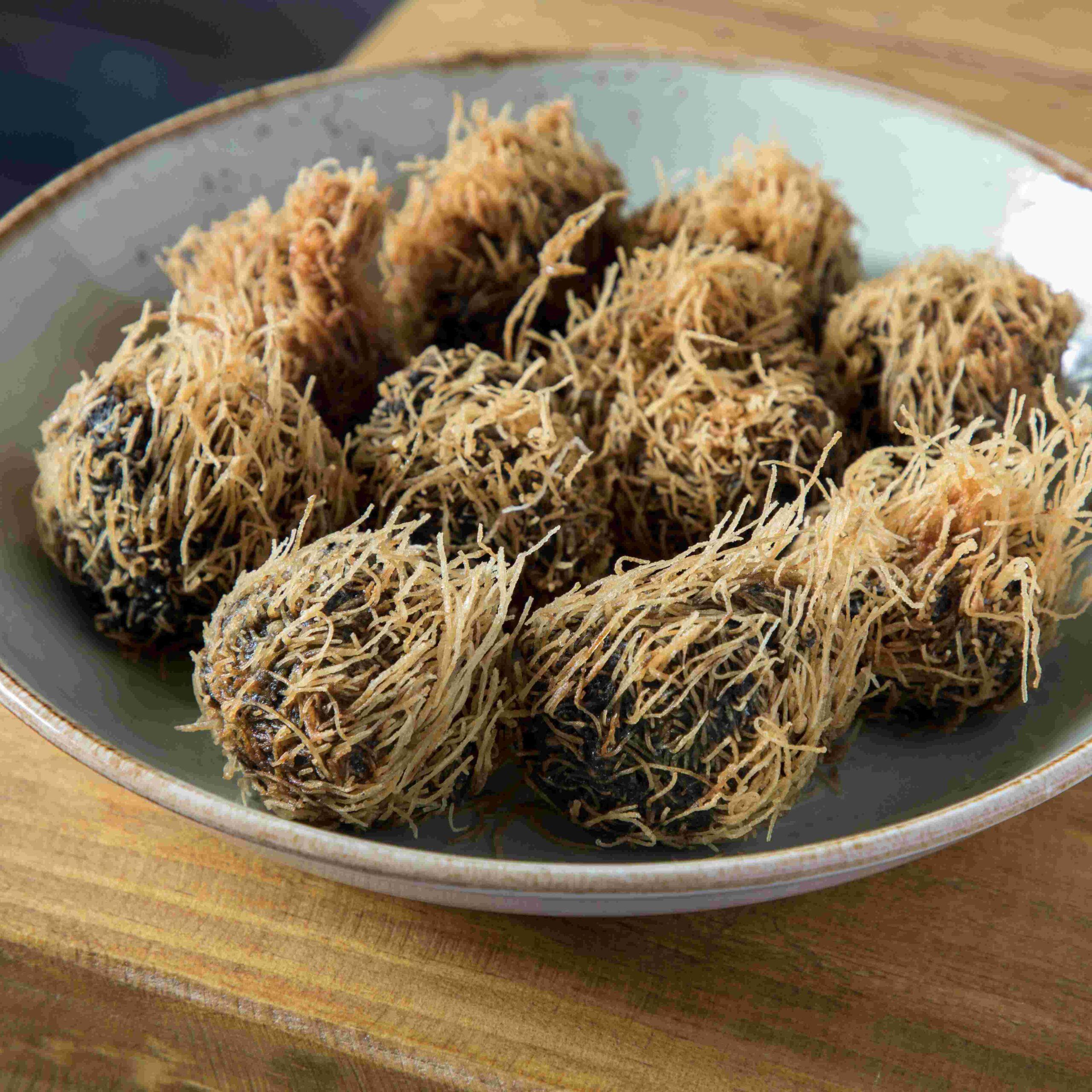 Croquetas de chipirón con katafi